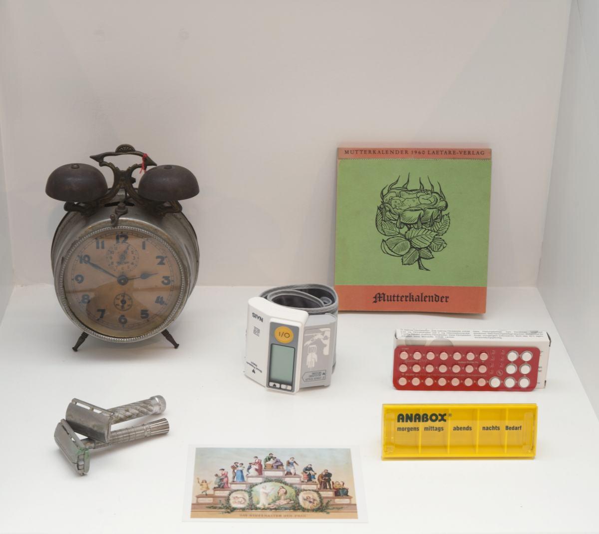 """Sonderausstellung """"Zur Zeit"""" im Werkbundarchiv - Museum der Dinge"""