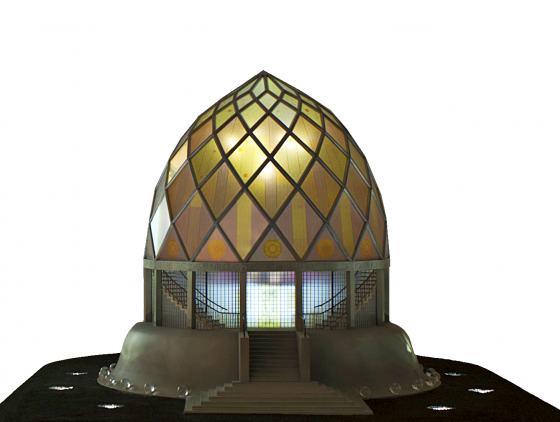 Glashaus-Modell nach Bruno Taut, gezeigt in Sonderausstellung des Werkbundarchiv - Museum der Dinge